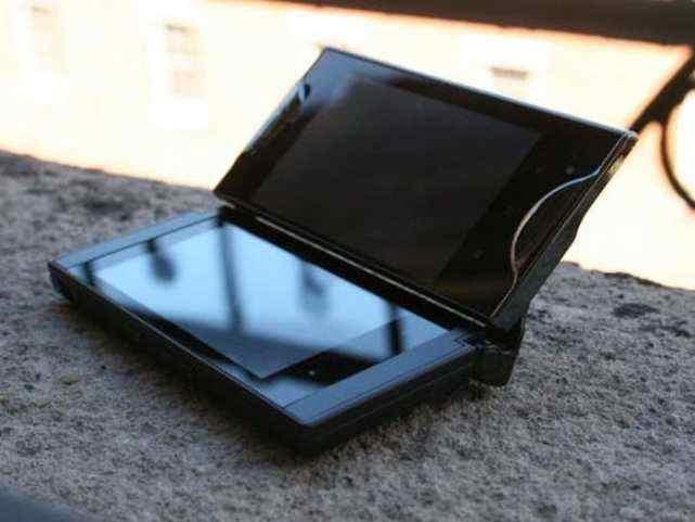 从日本京瓷Echo到微软Surface Duo,图解双屏智能手机进化史