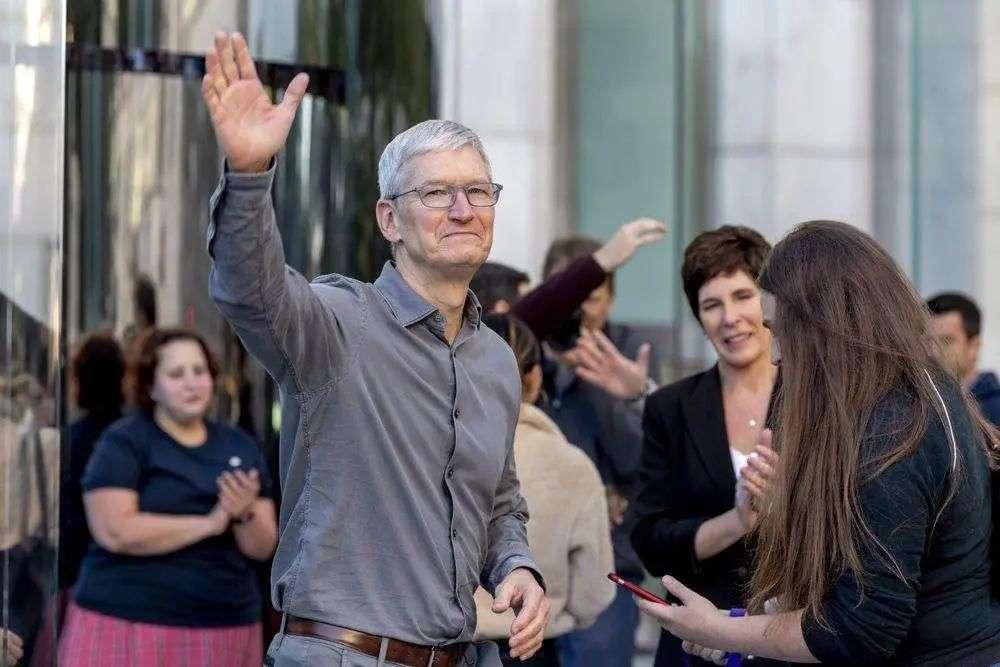 他们在等苹果发布会,而我更关心库克退休谁接班
