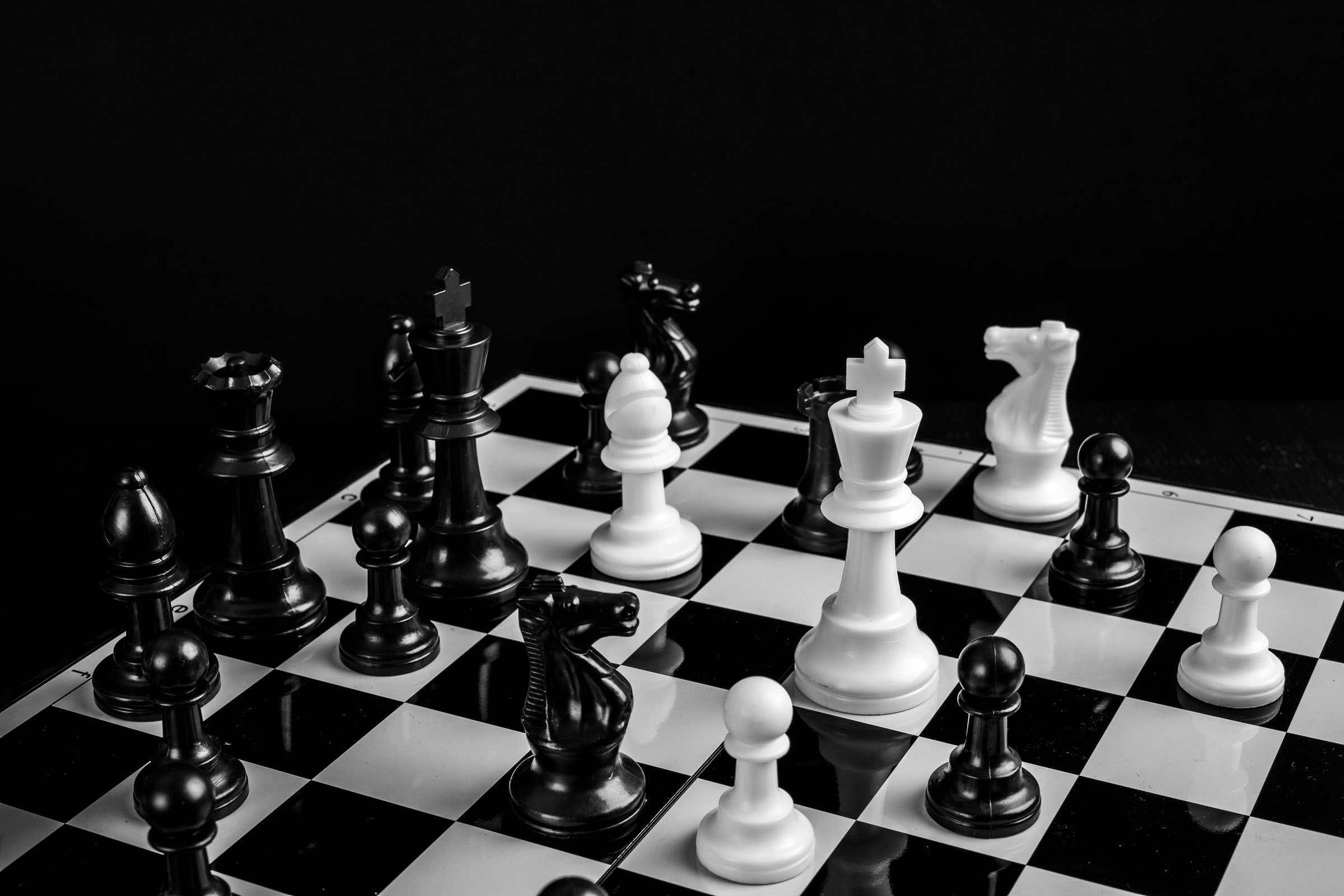 国际象棋王可以对王吗(国际象棋技巧)