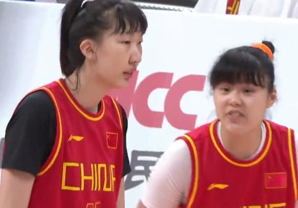 中国女篮4连胜(两大奇兵改变战局)