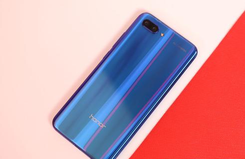 荣耀10手机参数配置价格(全面了解荣耀10手机)