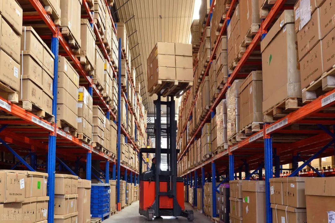 仓储物流系统的常见设施有哪些(4个设备设施和作用)