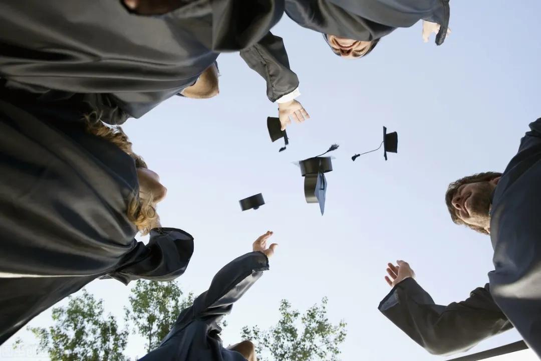 大学生网上赚钱的渠道有哪些?(安全正规的5种赚钱副业)
