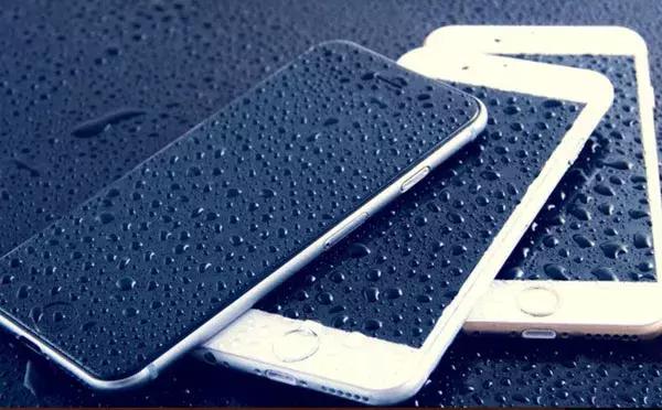 苹果手机怎么成耳机模式了(自动切入耳机模式原因及解决法)