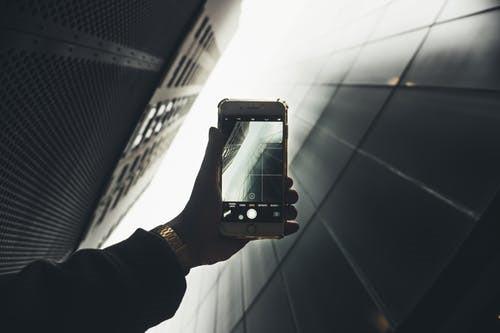 手机怎么在照片上加文字(教你在手机照片上编辑文字)
