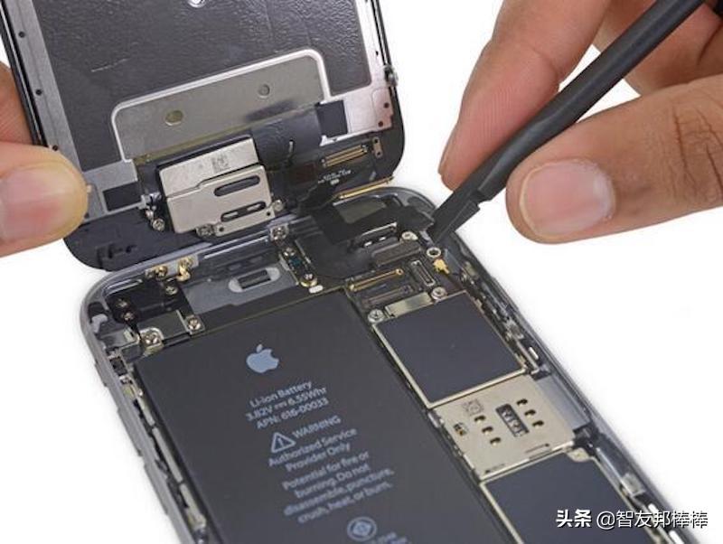 现在的智能手机电池能换吗(观文一览智能手机电池可换性)